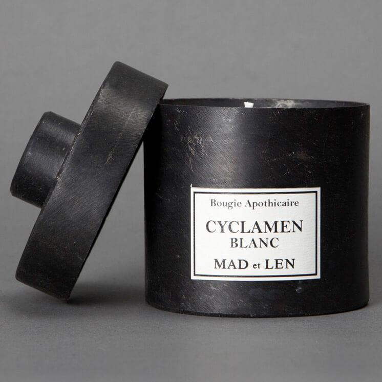 Mad et Len Cyclamen Blanc Candle Est Magazine