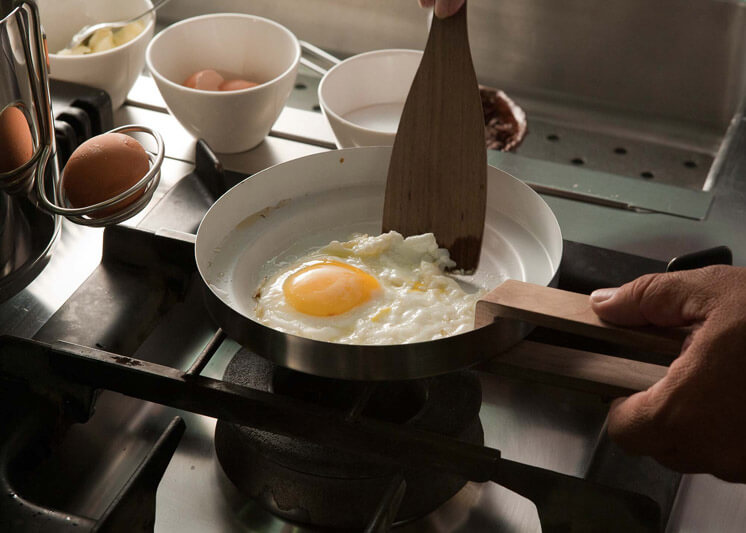 Timber Tonic knindustrie Cookware Frying Pan Est Magazine