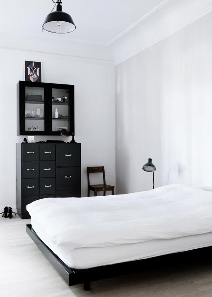 Bedroom | Yvonne Kone Home | © Line Klein for Elle Decoration | Est Magazine