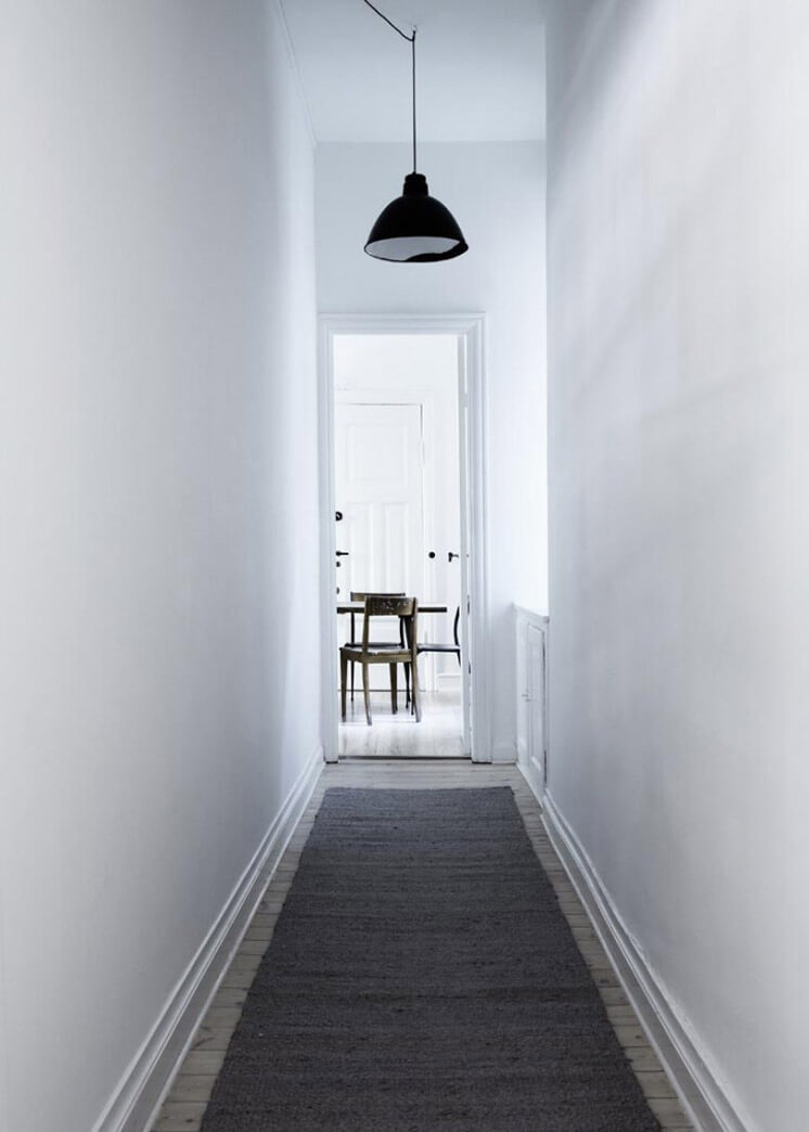Hallway Yvonne Kone Home | © Line Klein for Elle Decoration | Est Magazine