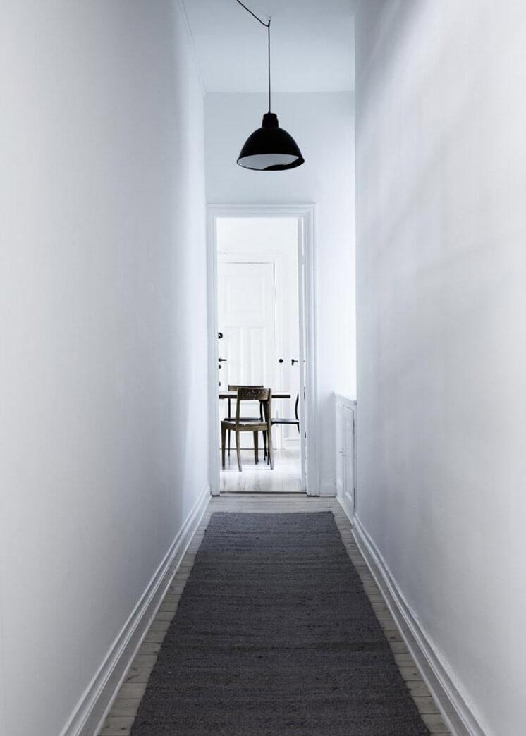 Hallway Yvonne Kone Home | © Line Klein for Elle Decoration | Est Magazine