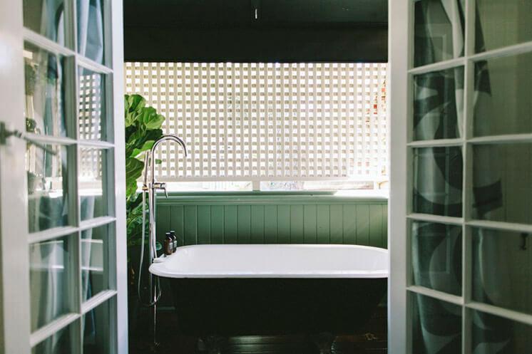 Suzie Wiley Achitect Bathroom | Pixel Trade | © Shantanu Starick | Est Magazine