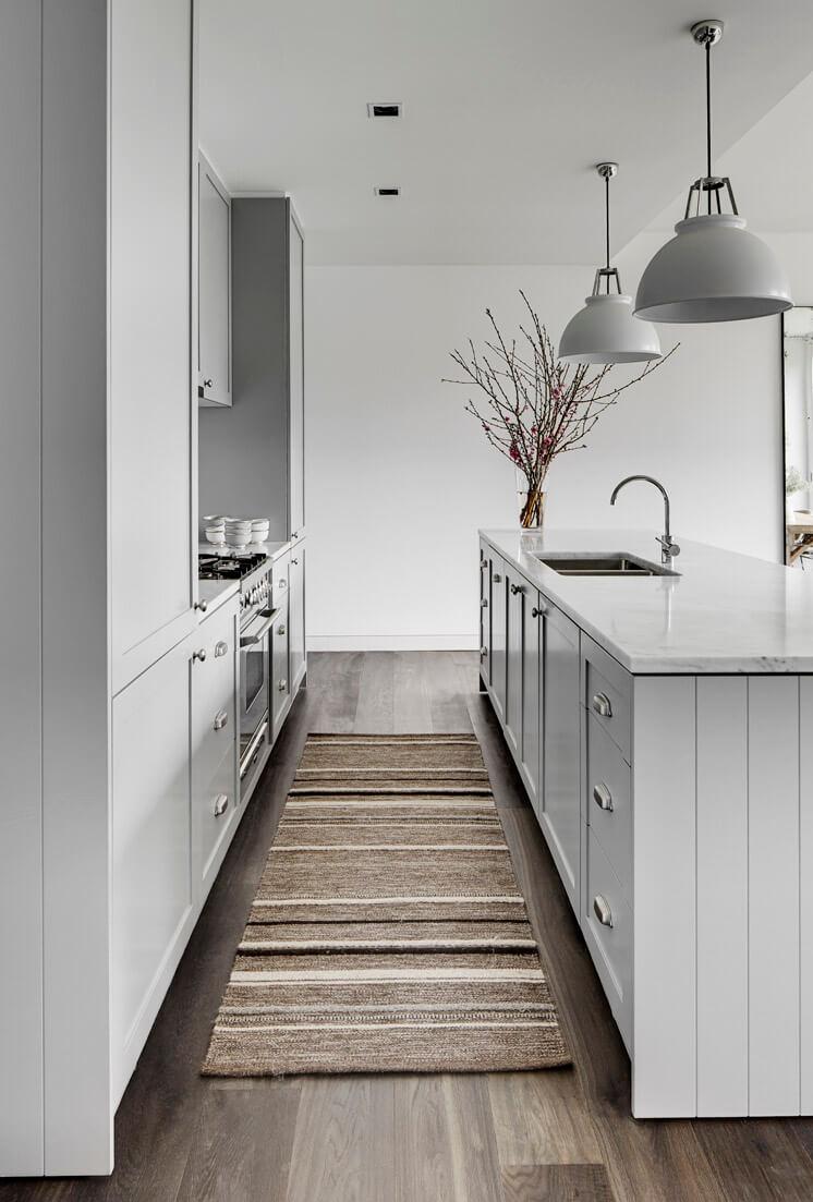 Tania Hendelsmann | North Sydney House Kitchen Galley | © Jem Cresswell | Est Magazine