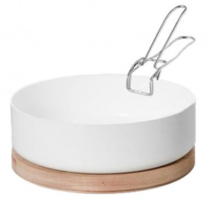 Latelier MAison KN Industrie ABCT White Casserole Dish with Trivet and Handle 300x300