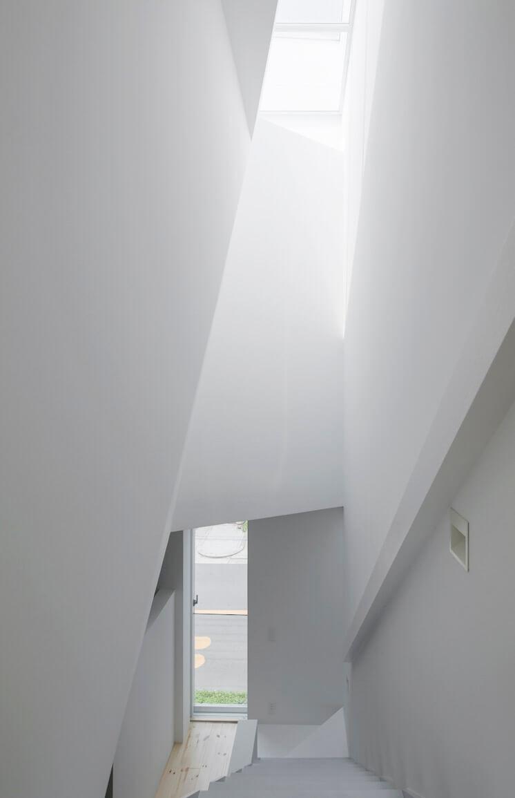House in Tamatsu Kenji Architectural Studio | © Yohei Sasakura02 | Est Magazine