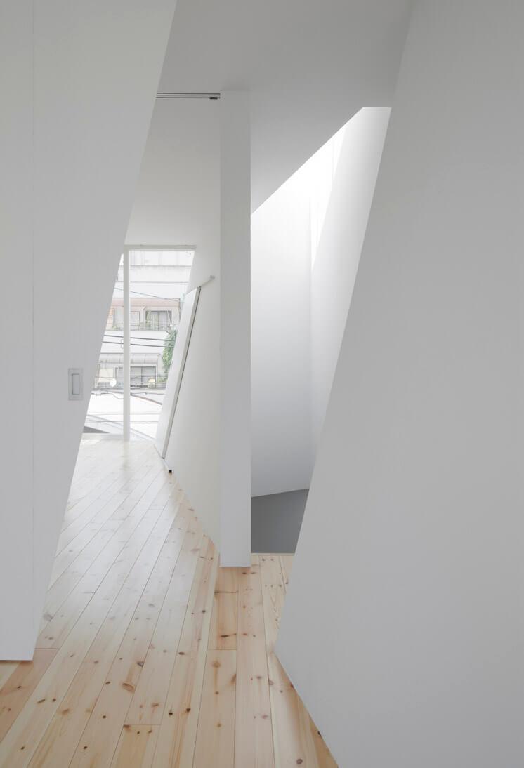 House in Tamatsu Kenji Architectural Studio | © Yohei Sasakura03 | Est Magazine
