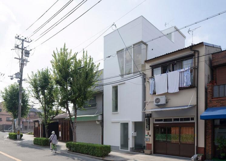 House in Tamatsu Kenji Architectural Studio © Yohei Sasakura07 Est Magazine