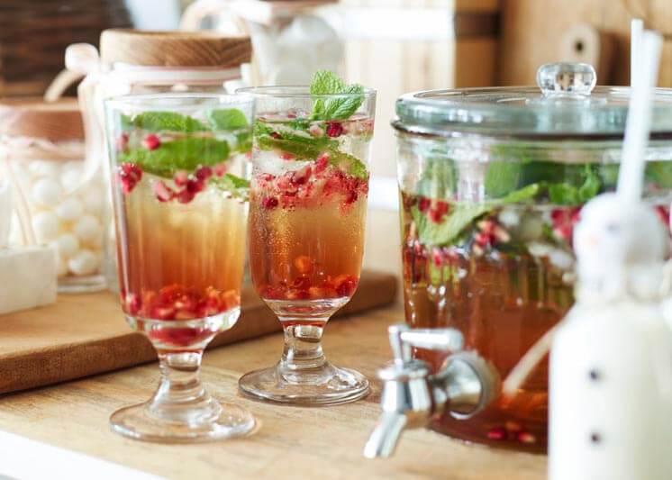 Pomegranate Mojitos | Chyka Keebaugh | © Toby Scott | Est Magazine b