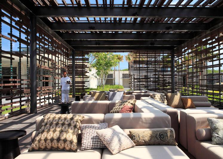 Alila Villas Uluwatu Bali | Cliffside Cabana | Mr & Mrs Smith | Est Magazine