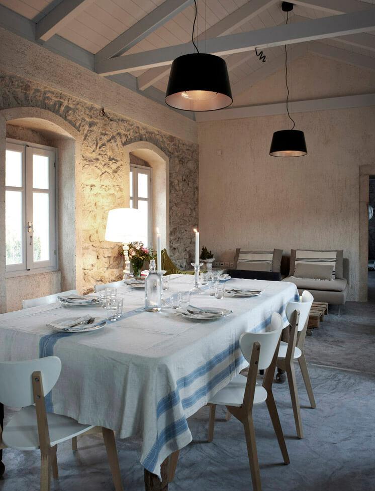 Dining Room Villa Kalos Ithica Greece | © Robbert Koene | Est Magazine