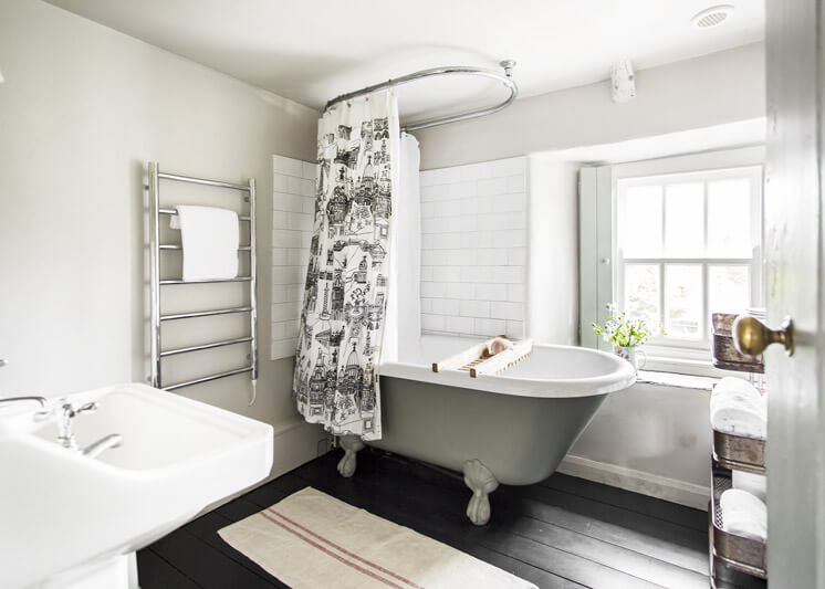 Hobbacott Lane Bathroom | Kid & Coe | Est Magazine