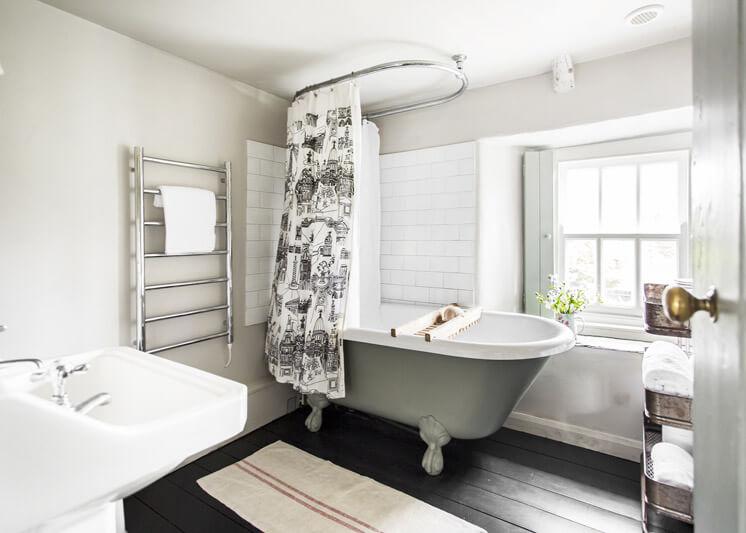 Hobbacott Lane Bathroom | Kid & Coe | Est Magazine