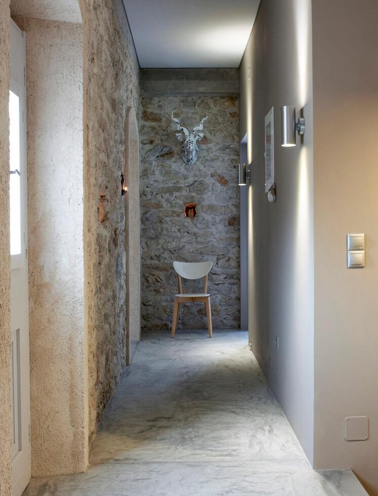 Hallway Villa Kalos Ithica Greece | © Robbert Koene | Est Magazine