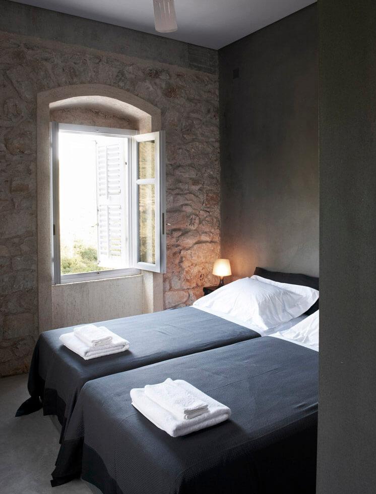 Guest Room Villa Kalos Ithica Greece | © Robbert Koene | Est Magazine