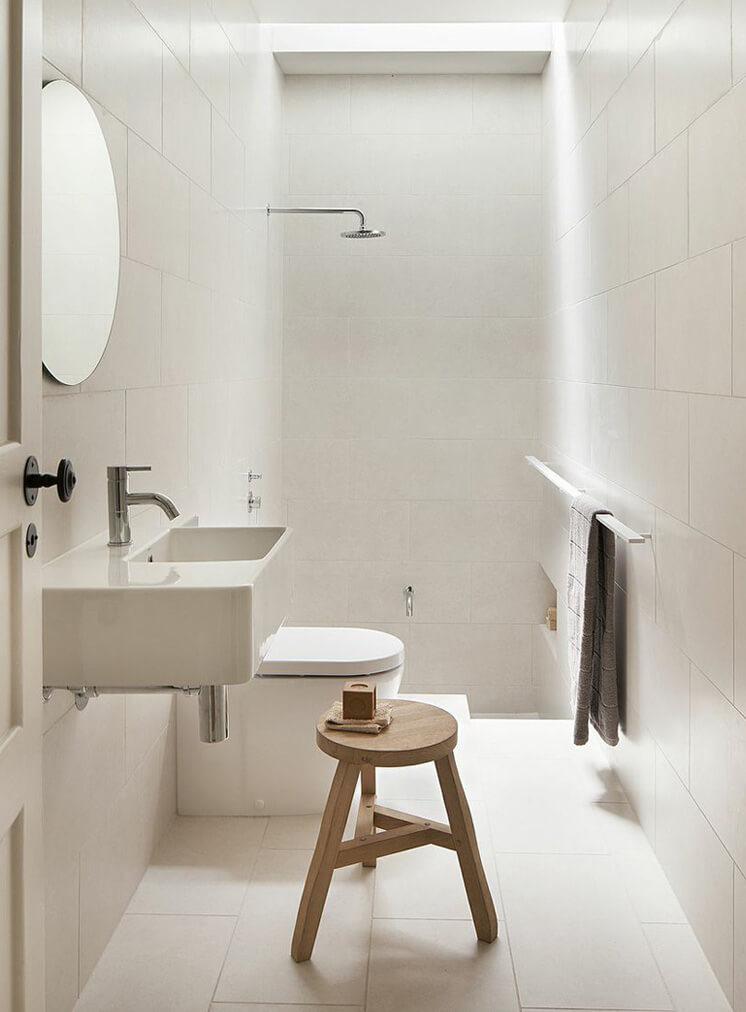W21-Shannon-Mc-Grath-bathroom-746x533