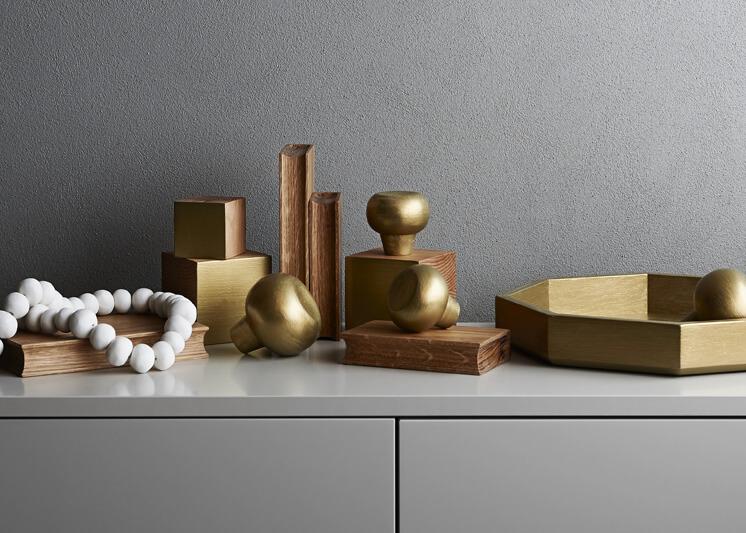 Est-Magazine-Chelsea-Hing-Range-746x533-3-gold