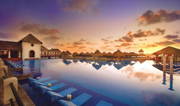 Now-Sapphire_Paradisus-Cancun-Pool_PostImage