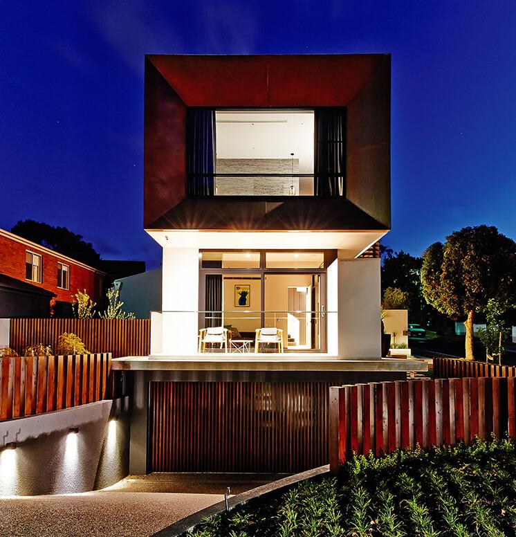 Rogerseller-Home-Exterior-Night-Lights
