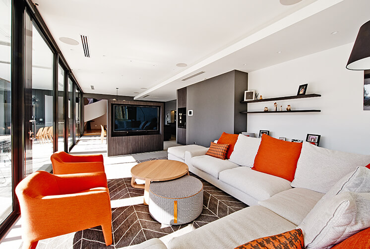 Rogerseller-Home-Lounge-Main