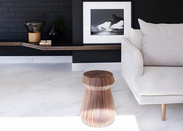 est-magazine-amber-raod-sofa-detail