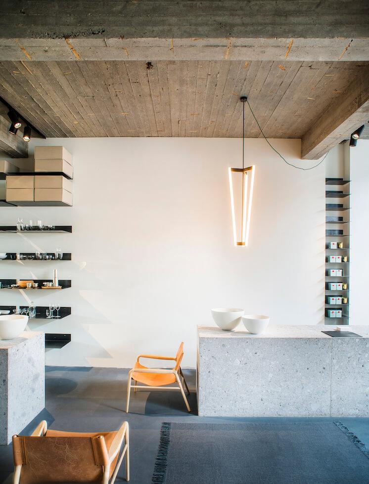 Est Magazine Store Interiors MAGAZYN 01