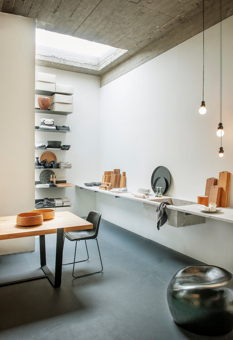 Est Magazine Store Interiors MAGAZYN 04