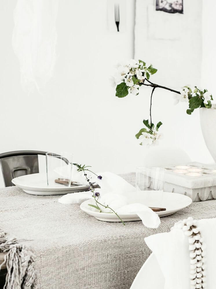 Est Magazine Table Styling Line Kay 03