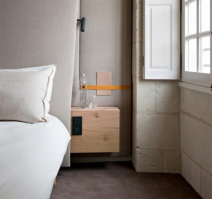 Est-Magazine-Abbaye-de-Fontevraud-bedroom-Nicolas-Matheus-07