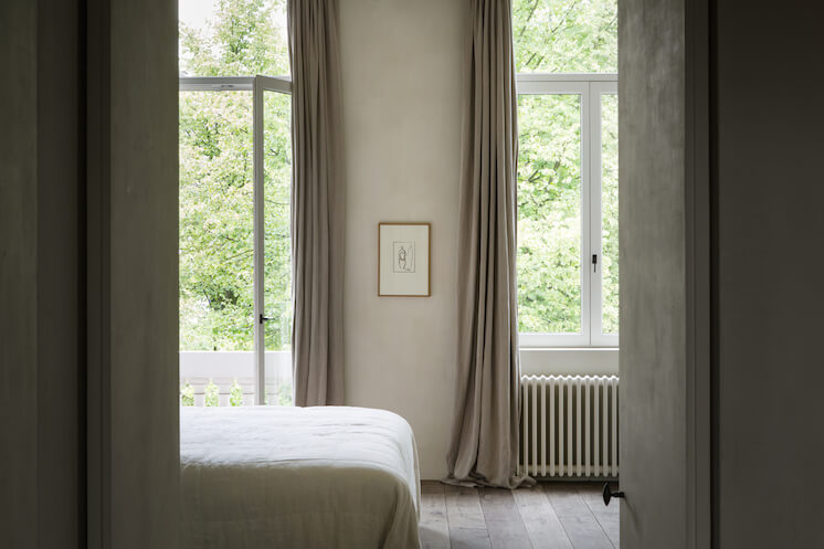 Est-Magazine-Graanmarkt13-Apartment-bed-Frederik-Vercruysse