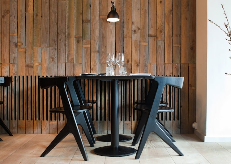 Est-Magazine-Radio-Copenhagen-Interiors-Chairs