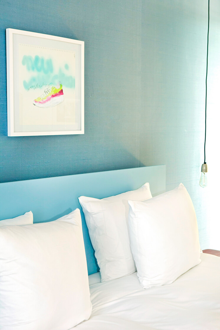 Est-Magazine-Vesper-Hotel-Holland-bedroom-blue