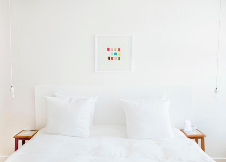 Est Magazine Vesper Hotel Holland bedroom white