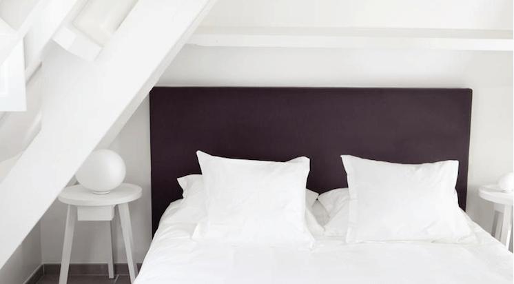 Est-Magazine-Hotel-White-1921-Bedroom-St-Tropez