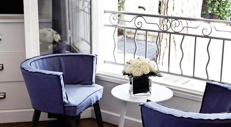 Est-Magazine-Hotel-White-1921-St-Tropez-sitting-area