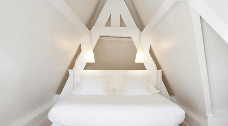 Est-Magazine-Hotel-White-1921-St-Tropez-suite