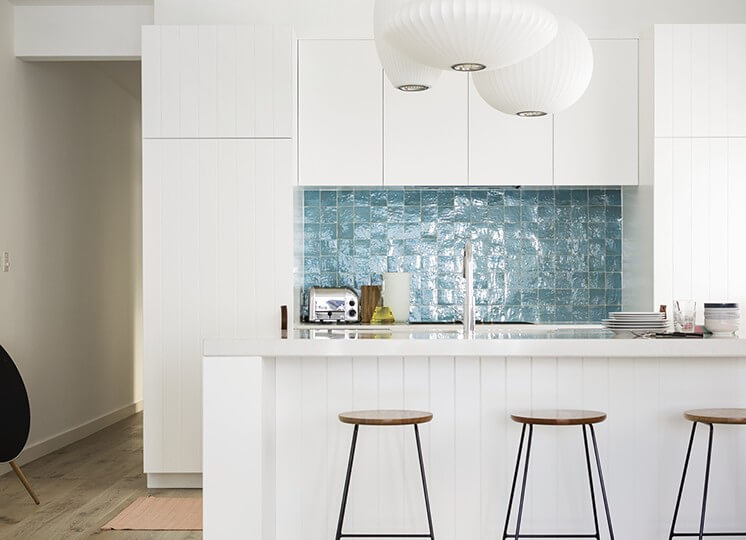 Kitchen: Tamarama Apartment by Decus