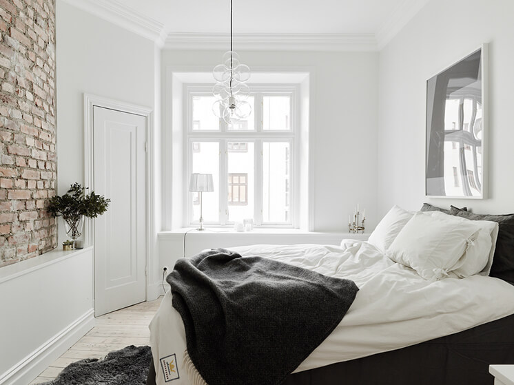 Est-magazine-Open-House-Bed-Window
