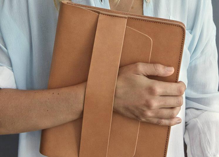 Est-Magazine-Plus-One-Studios-Leather-Laptop-2