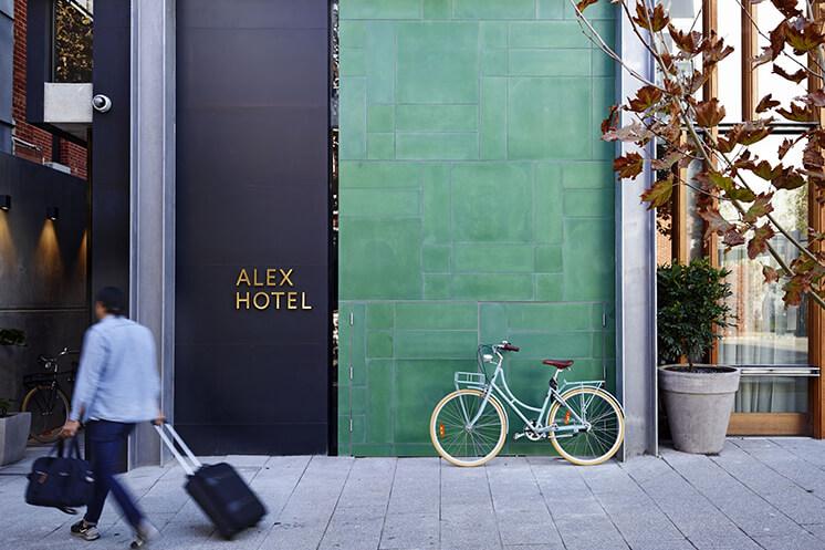 Est-Magazine-Alex-Hotel-Reception
