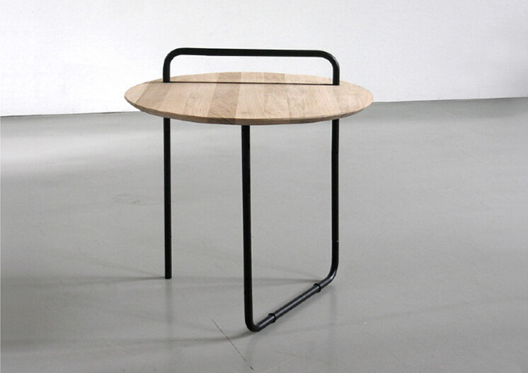 Est-Magazine-Clip-Table-Jan-Kochanski