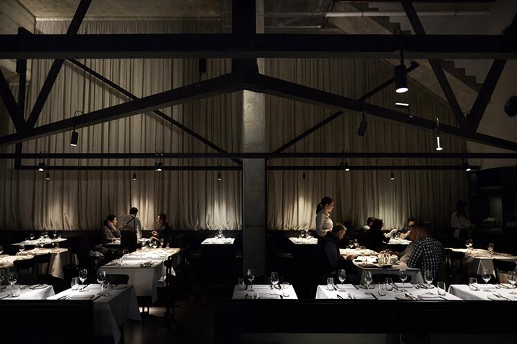 Est-Magazine-Shadow-Dining-Room