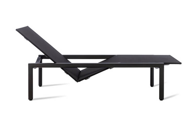 Est-Magazine-Illum-Collection-Lounger