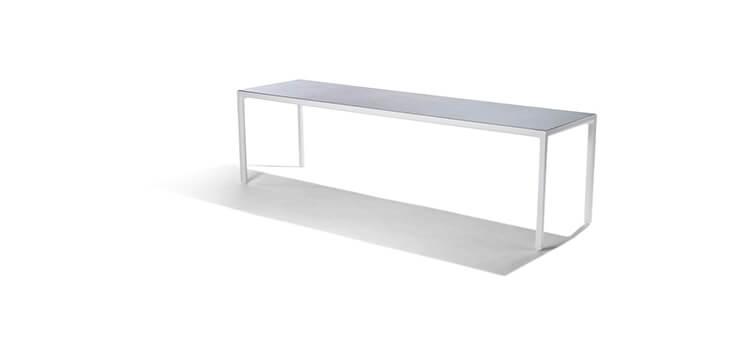 Est-Magazine-Illum-Collection-Table