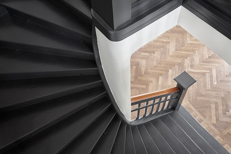 Est-Magazine-Open-House-Staircase