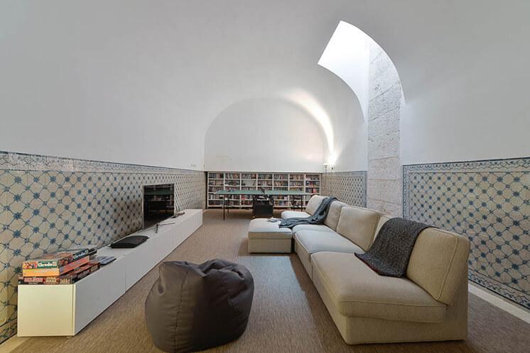 Est Magazine Aires Mateus House