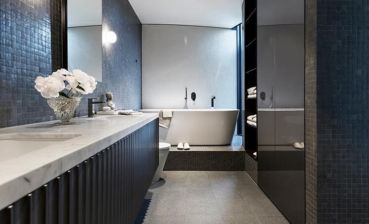 Est Magazine Esplanade Lynton Crabb Bathroom1