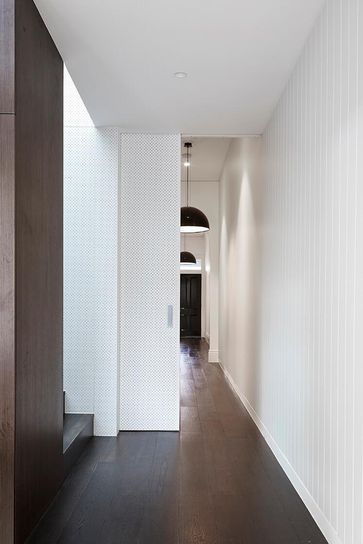 Est-Living-Taylor-Knights-St-Kilda-House-Hallway