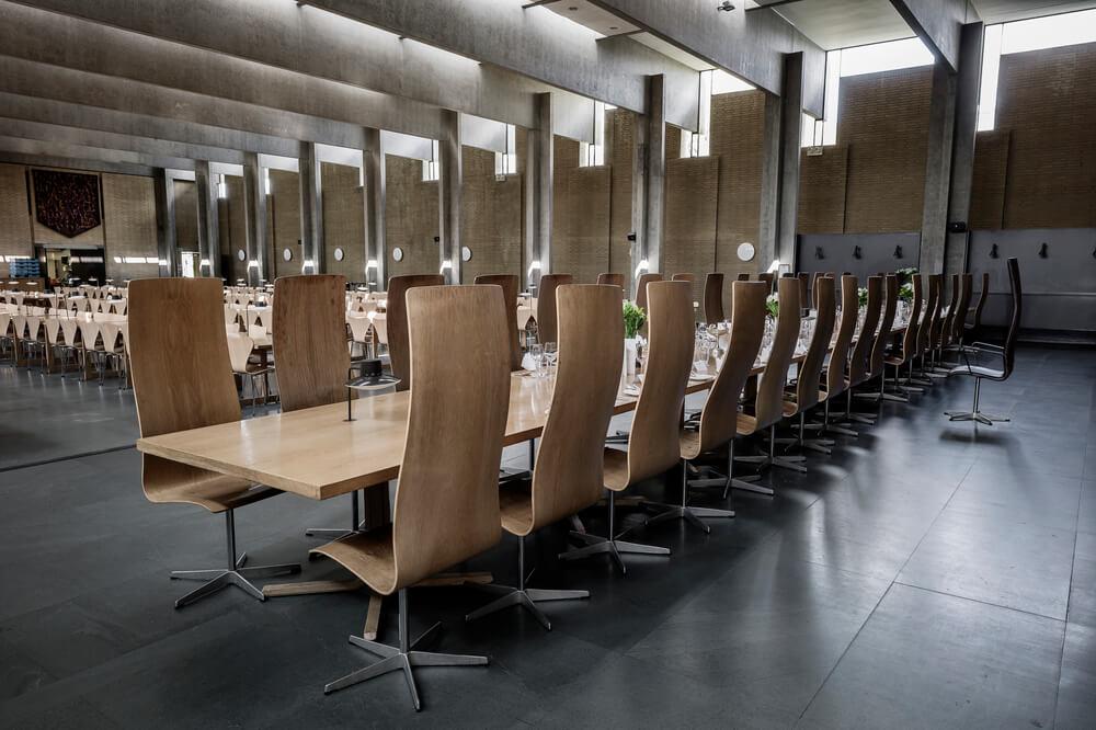 Arne-Jacobsen-Oxford-College-Est-Living-Dining