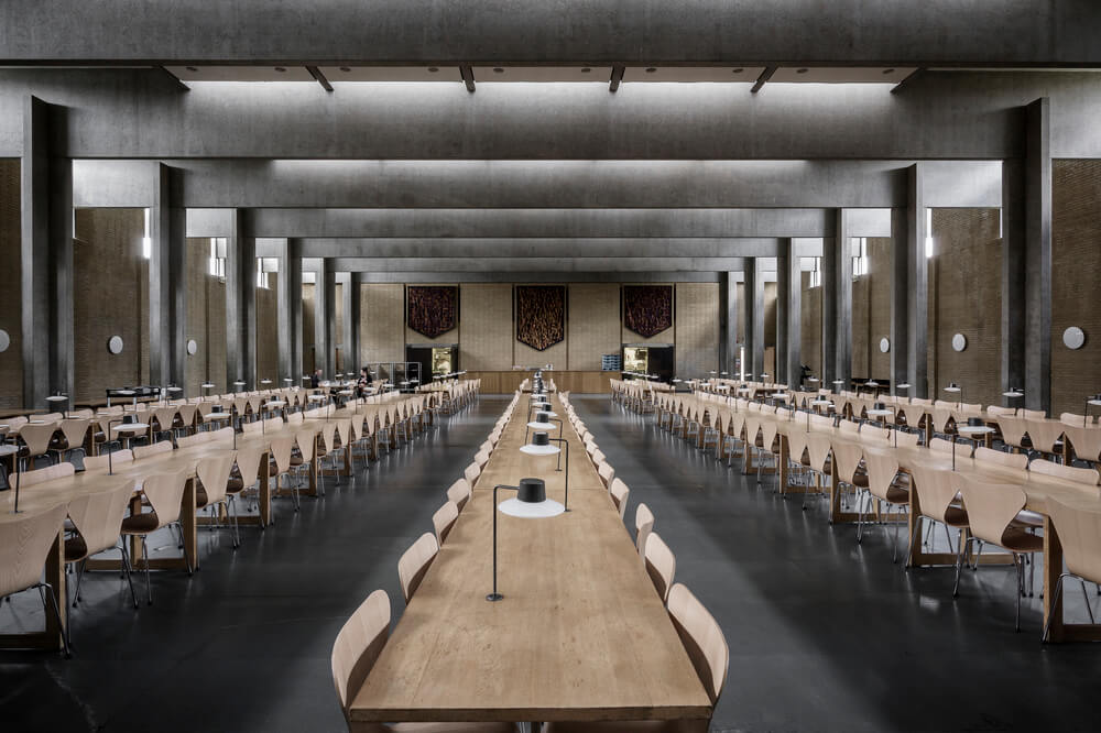 Arne Jacobsen Oxford College Est Living Dining1