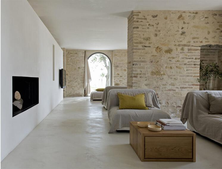 Est-Living-Villa-Olivi-Italy-Living